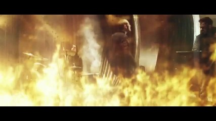 Превод! Linkin Park-burn It Down (official Music Video)
