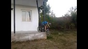 Лудо пребиване с колело - смях :d