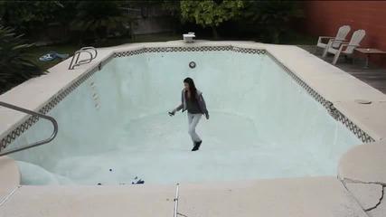 Страхотна илюзия в басейн