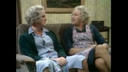 Monty Python - Penguin on the Tv (bg audio)