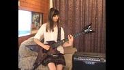 Импровизации на китара от момиче (by Jacqueline Mannering)