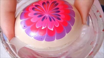 Боядисване на яйца с вода и лак за нокти