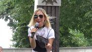 Маги Джанаварова на парада на ретро автомобили Русе 2018
