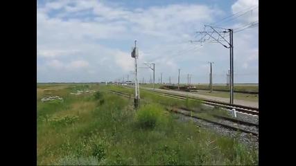 Locomotiva 40-2003-2 in teste la Faurei -- trecerea locomotivei cu o viteza de 200 km h _
