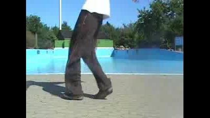 Ahmed Cwalk Clean Clown Walk