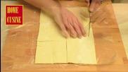 Home Cusine - Пиле със спанак и сметана в бутер тесто
