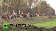 Germany: PEGIDA make human-wall to 'stop migrants' at Czech border