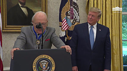 USA: Trump awards Presidential Medal of Freedom to basketball legend Bob Cousy