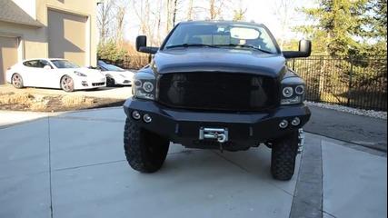 Това се казва монстер. Dodge Ram 3500