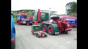 Камион-играчка с дете в него :) volvo f88