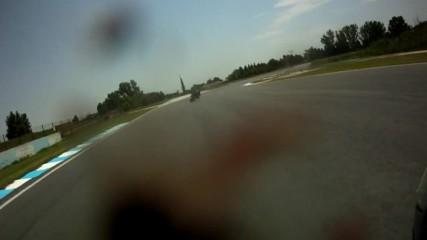 Гигантска муха гони Калин по пистата в Серес