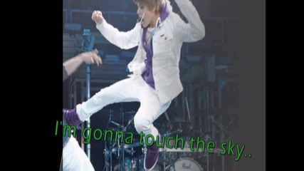 Justin Bieber / Nothing cant hold him on the ground