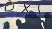Defiant Greeks Rally Against Eurozone Referendum