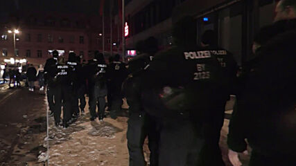 Germany: Police break up banned anti-lockdown demo in Furth