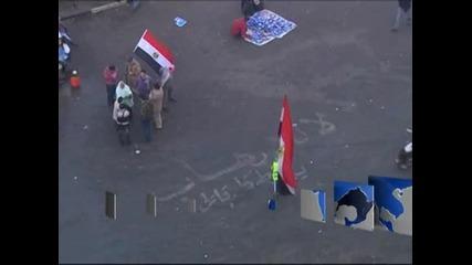 Народът в Египет иска президентът Мурси да подаде оставка
