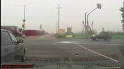 Ужасяваща катастрофа на светофара карайте внимателно!