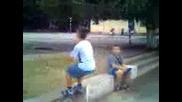 8 годишно момче прави задно салто в Оу Васил Априлов