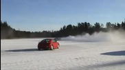 Audi S1 изкъртва леда