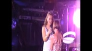 Anastacia and her Mom - In Your Eyes (live)