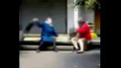 Бабички се бият (hadr Texhno fans)