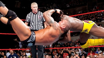 Kofi Kingston vs. Randy Orton: WWE TLC 2009 (Full Match)