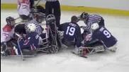 Бой между хокеисти инвалиди
