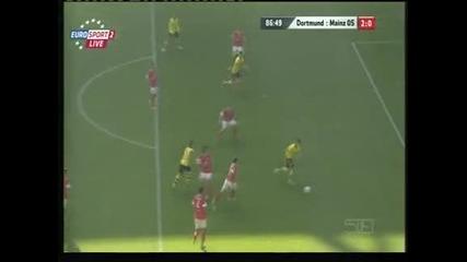 """""""Борусия"""" (Дортмунд) загря за Шампионската лига с 2:0 над """"Майнц"""""""