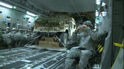 Излитане На Военни Джипове