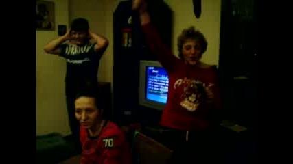 Двама Братя Танцуват