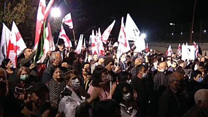 Georgia: Hundreds rally in support of ex-president Saakashvili outside Rustavi prison