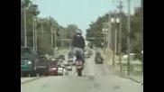Bikers Stuntin on the E - way.3gp