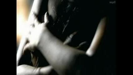 Christina Aguilera Пиърсинг На Гърдата