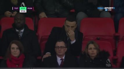 Димитър Бербатов се наслаждава на Тотнъм - Манчестър Юнайтед