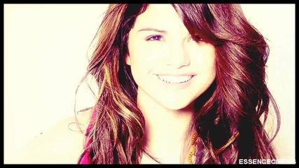Selena Gee Domino