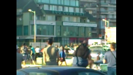 Скандал ! Въоръжени мутри гонят феновете на Спартак Варна