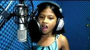 10 годишно момиче, звучи съвършенно с кавър на Селин Дион