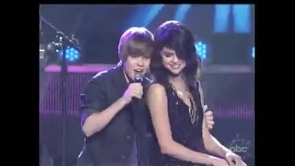 Justin Bieber - One Less Lonely Girl (w Selena Gomez @ Dick Clarks New Years Rockin Eve 20 Vbox7
