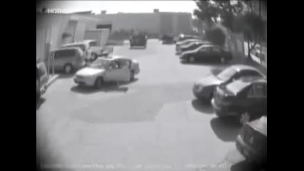 Отмъщението на мъжа към момичето, което взе паркинг мястото му