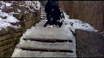 Смешно падане на лед