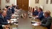 Президентът Румен Радев се срещна с европейския комисар за съседство и разширяване Оливер Вархеи
