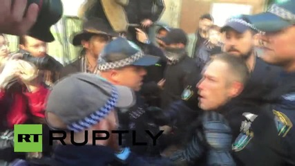 Australia: Five arrested in Reclaim Australia clashes in Sydney