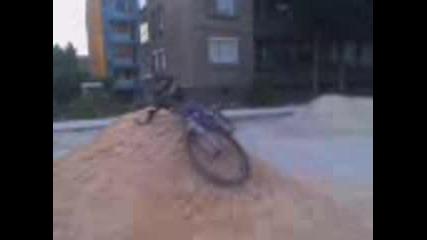 Скачане с колело (смелите живеят вечно )