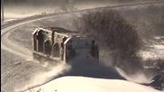 Мощен влак разчиства релсите от падналия сняг в Нова Зеландия