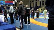 Борци се сбиха по време на турнир по борба