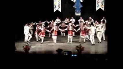 Танцов ансамбъл Пъстрина:влашки танц 2ра част