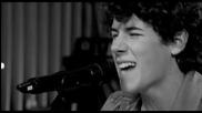 Превод! Страхотна песен на Nick Jonas & Administration - Who I Am