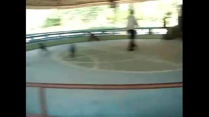 Маймунки велосипедисти