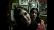 Момичета лудеят на  Coal Chamber - Loco