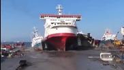 Ето така се паркира кораб :d
