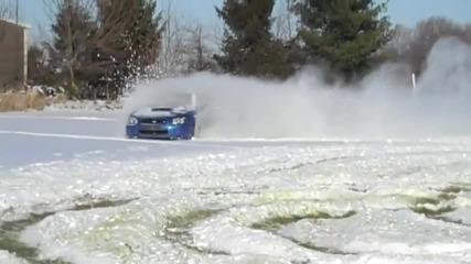 Той просто погали Subaru Impreza Wrx Sti...